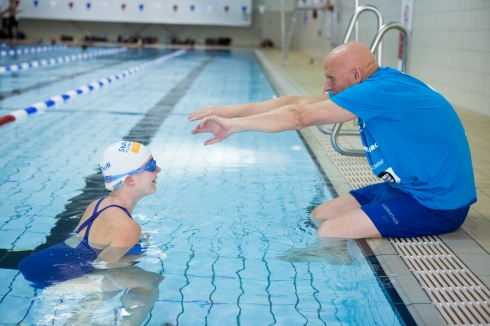 Duncan Goodhew teaching me how to swim